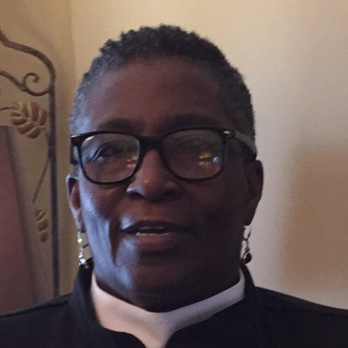Photo of Pastor Beverly Robinson